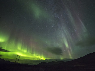 Polarlichter in den Bergen von Norwegen