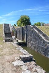 Echelle d'écluses, Rogny les sept écluses, monument historique, Yonne, Bourgogne, France
