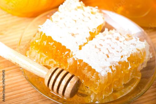 Мёд в сотах  № 604513 бесплатно