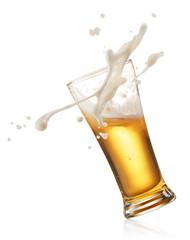 Fototapete - splashing beer