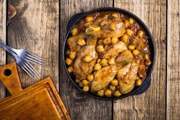 Chicken drumsticks curry with chickpeas