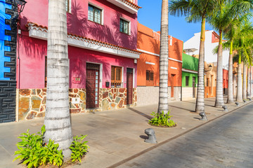 Printed kitchen splashbacks Havana Colourful houses and palm trees on street in Puerto de la Cruz town, Tenerife, Canary Islands, Spain