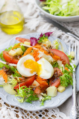 Vegetable salad with soft-boiled egg