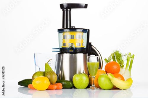 Heaven Fresh Whole Fruit Slow Juicer White :