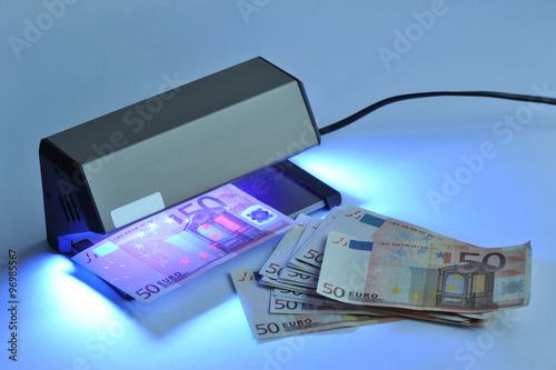 geldscheinpr fger t banknoten falschgeld euro geldscheine f lschung echtheit. Black Bedroom Furniture Sets. Home Design Ideas