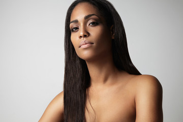 blask woman's portrait with a straight hair