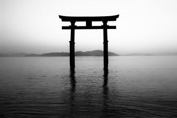 滋賀県 白髭神社、湖中鳥居