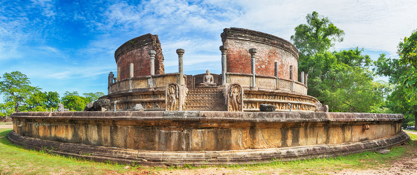 The Polonnaruwa Vatadage. Panorama