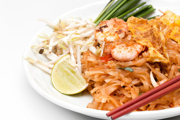 Pad Thai (Thailand's national dishes).