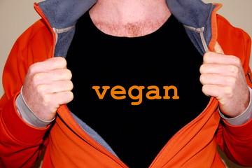 vegan geschrieben auf einem schwarzem T-shirt