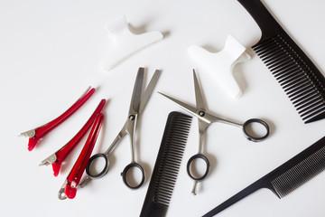 парикмахерские инструменты ножницы расчески зажимы