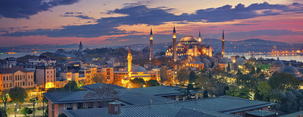 Photo sur Plexiglas Turquie Istanbul Panorama. Panoramic image of Hagia Sophia in Istanbul, Turkey during sunrise.
