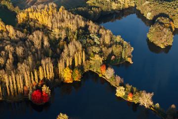 Etang en automne , Breuillet 91 vue du ciel