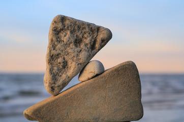 Pebble between two stones