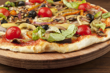 vegetarian pizza with vegetables