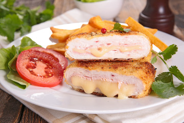 cordon bleu, breaded meat and cheese