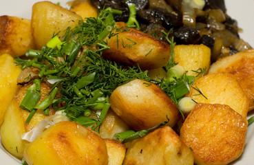 potatoes fried mushrooms dish