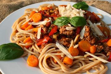 organic lifestyle pasta gesunde ernährung vegan hackfleisch rindfleisch close up