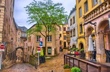 Keuken foto achterwand Smal steegje LUXEMBOURG CITY - JUN 2013: Narrow medieval street w