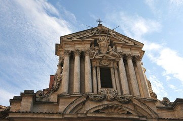 базилика,церковь,храм на фоне неба
