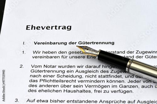 Ehevertrag Unterschrift Heirat Hochzeit Eherecht Scheidung