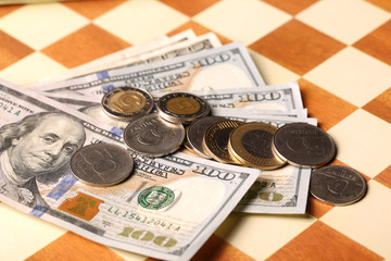 Money on a chessboard, furnyt euro dollar