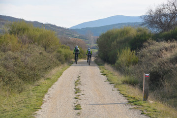ruta ciclista por el monte