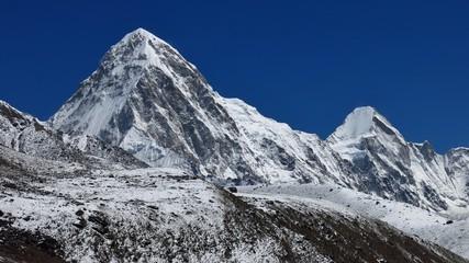 High mountains Pumori and Lingtren, Everest Region