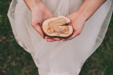 wedding decor, wedding rings