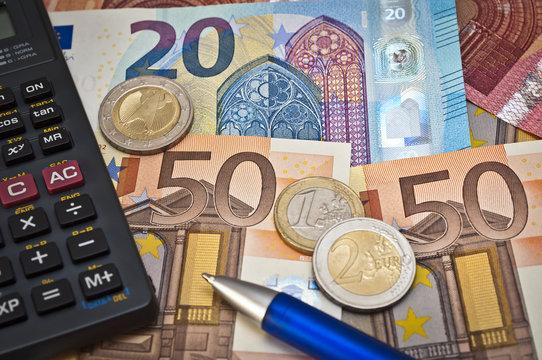 Autoversicherung und Eurogeldscheine