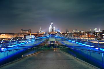 Fototapete - Millennium Bridge and St Pauls
