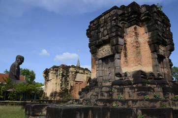 Buddhistische Tempel und Statuen in Südostasien