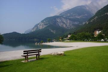 Uferbereich am Lago di Molveno