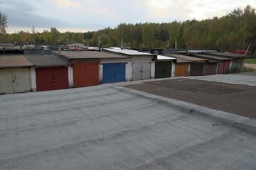 garages, sheds