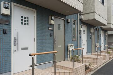 Fototapete - アパートの玄関