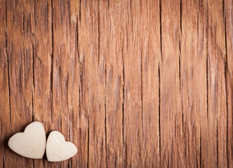 the small wooden hearts