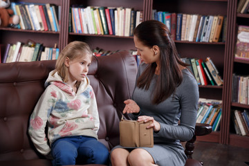 Financial conflict of girl and mother