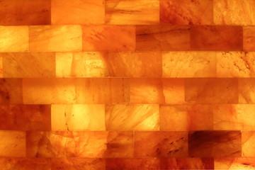 Salzsteine einer Salzgrotte horizontal