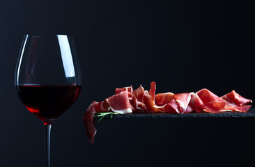 jamon with red wine