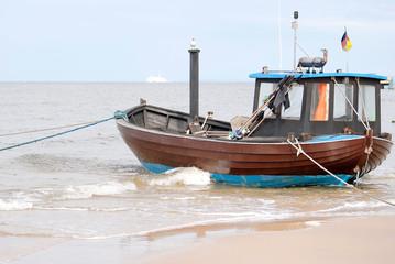 Fischkutter am Strand