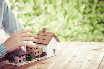 住宅模型,緑の背景