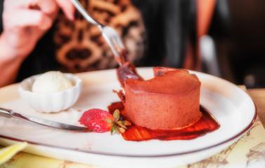 Chocolate muffin (cake)