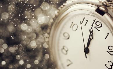 Old watch pointing midnight - New Year concept Fotoväggar