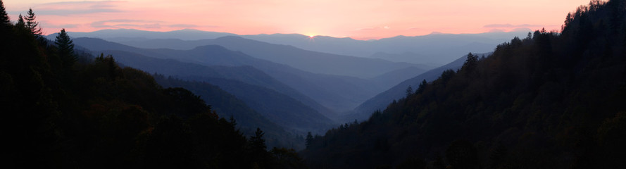 Poster Mountains First Sun Light over Mountain Valley - Panorama. Smoky Mountains National Park, Tennessee