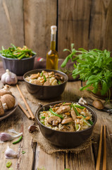 Chinese noodles with brown mushrooms