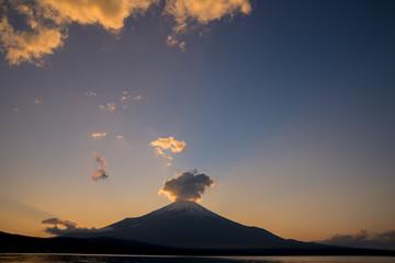 山中湖より富士山夕景