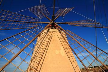 mulino a vento marsala sicilia
