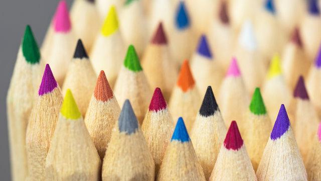 Buntstifte - Farben - Konkurrenz - Miteinander - Integration