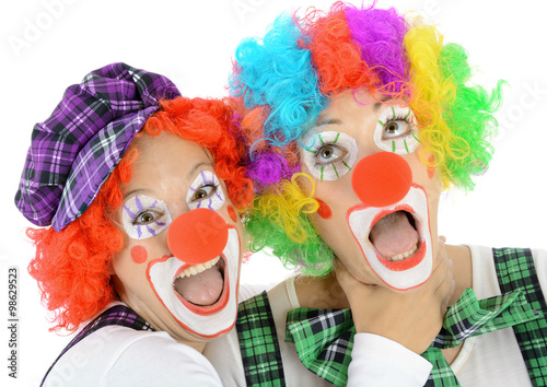 clowns in kost m zu karneval fasching oder fastnacht haben spa und freude stockfotos und. Black Bedroom Furniture Sets. Home Design Ideas