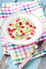 oatmeal with milk and fresh fruits